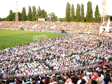 Franklin Graham Crusade at the national Stadium in Chisinau, almost 100,000 came in 3 days