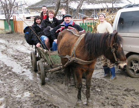 Getting in the horse cart, van does not handle more mud